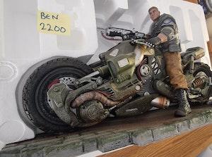 Gears Of War 4 JD Fenix Statue *NEW*
