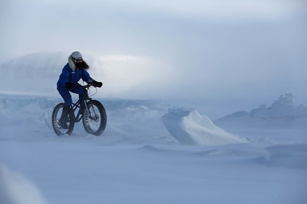 fullpage Kate Leeming Breaking The Cycle South Pole riding in Spitsberg