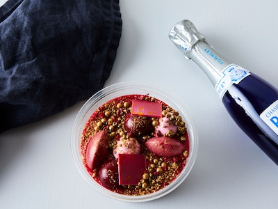 Explosive Raspberry Party Pot With Bubbles Gift Box - serves 2
