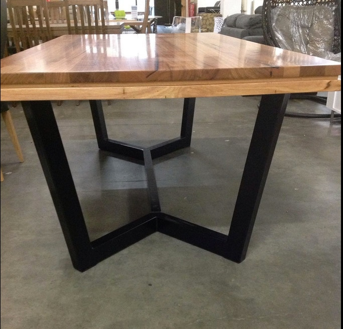 Furniture liquidation store 2400mm solid messmate dining for B q dining room furniture