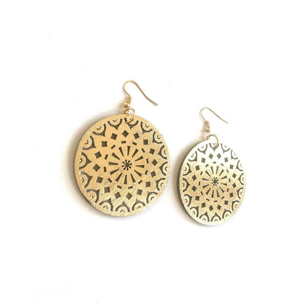 One of a Kind Club Gold Swirl Circle Dangle Earrings