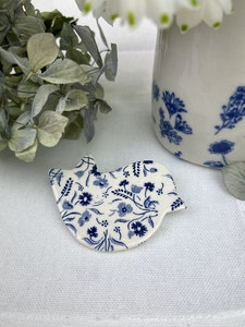 Blue and White floral birdie brooch