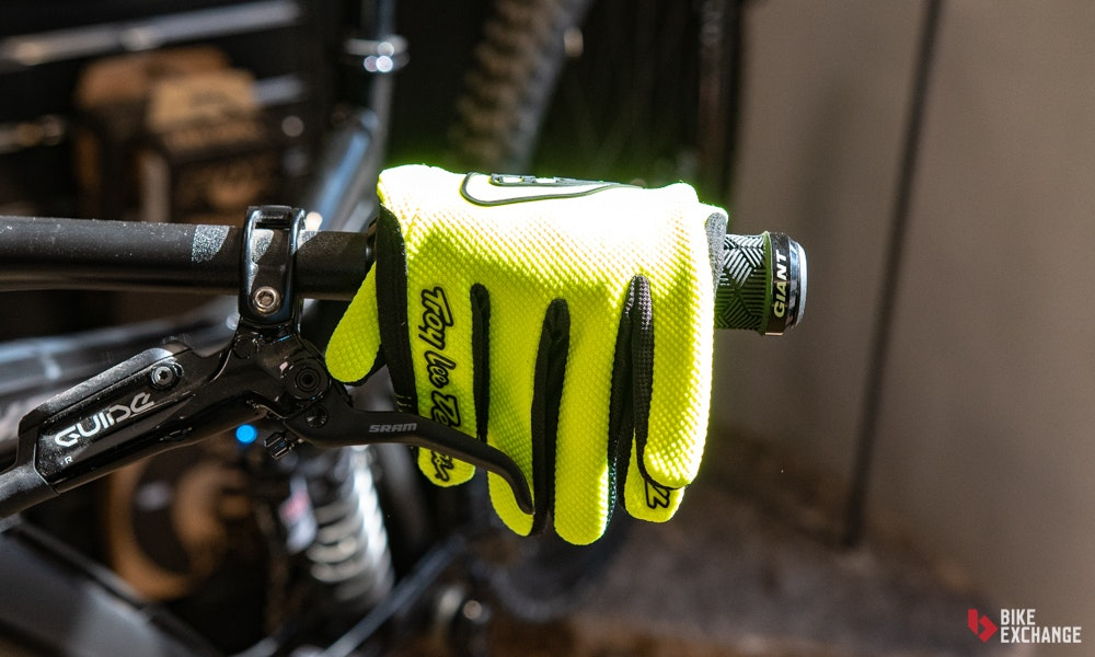 mountain-bike-accessories-buyers-guide-13-jpg