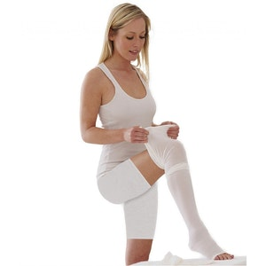 Tynor Anti Embolism Compression Stockings (D.V.T. Prophylaxis) Class 1 (Pair)