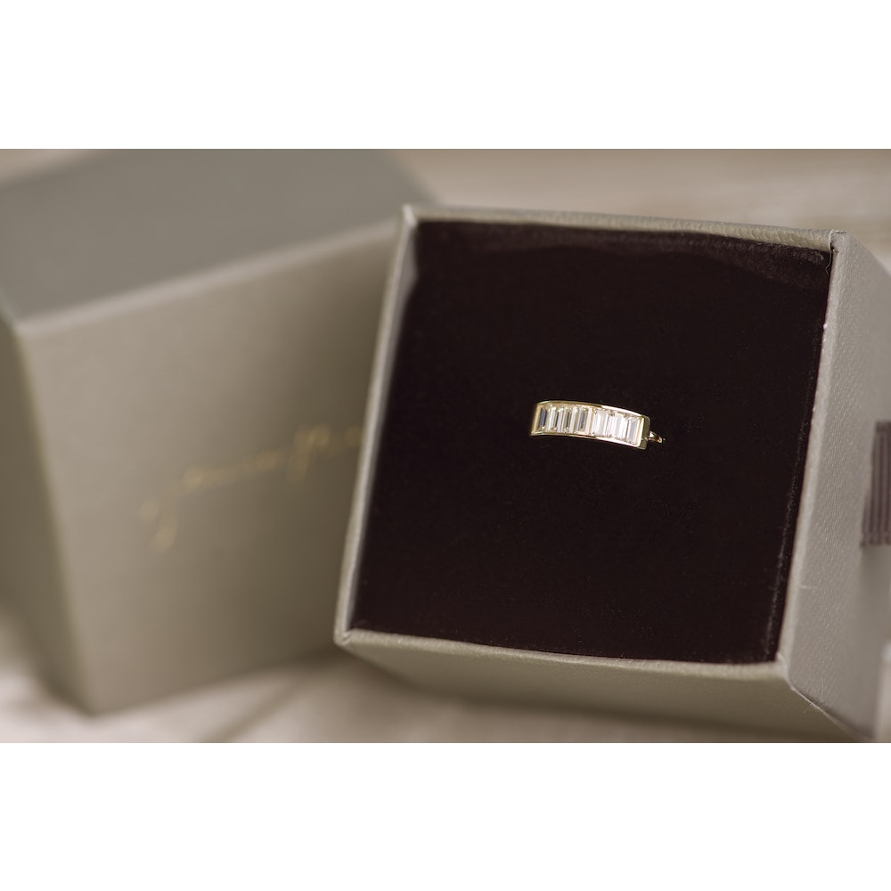 Jessica Alice Jewellery 9ct Solid Gold Baguette Conch Ring