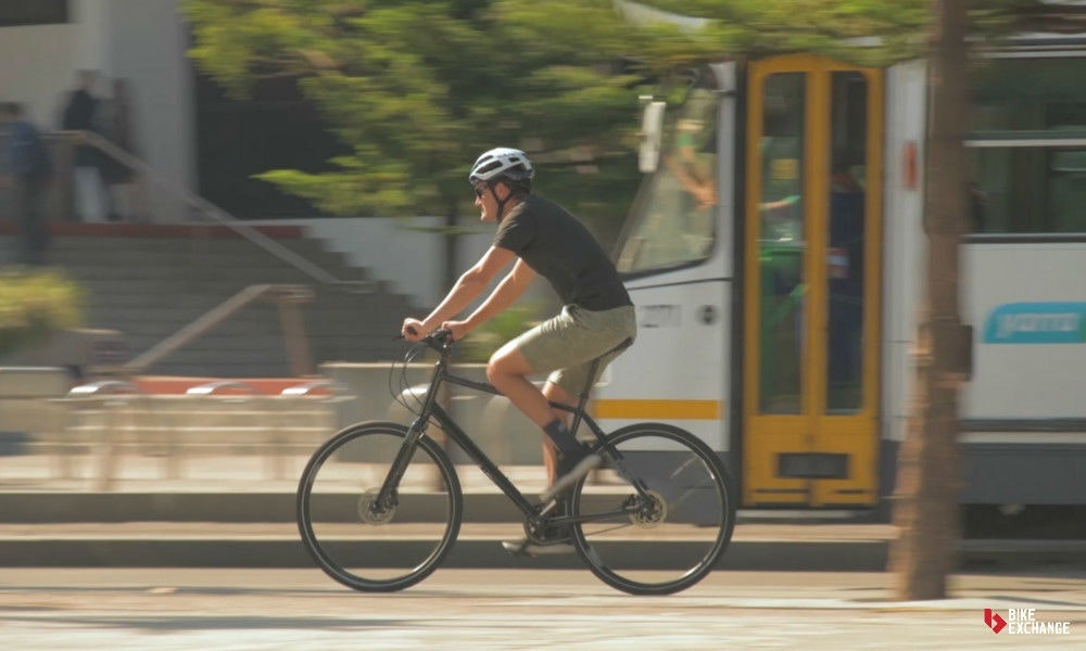 bicicletas-barra-plana-vs-hibridas-vs-urbanas-urbana-transporte-jpg
