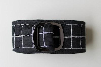 Julevidge White linen belt with a black checked pattern