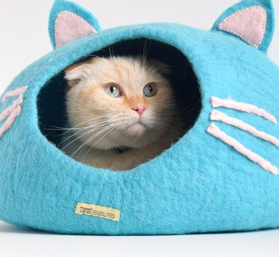 """Queenie's Pawprints Hand-felted Wool Cat Cave """"Blue Head"""""""