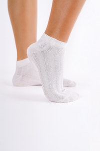 1 People Modal Cable-Knit Ankle Socks in All White