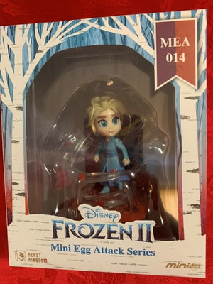 Elsa Mini Egg Attack - Disney Frozen 2 Miniature Figurine - New in Box