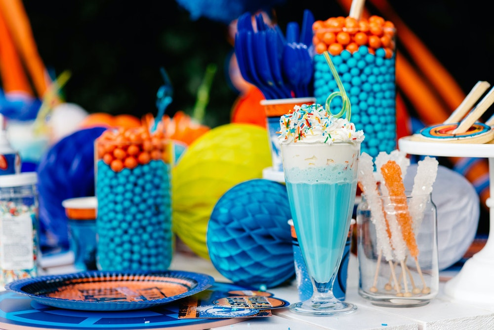 How to style a DIY NERF party table setting