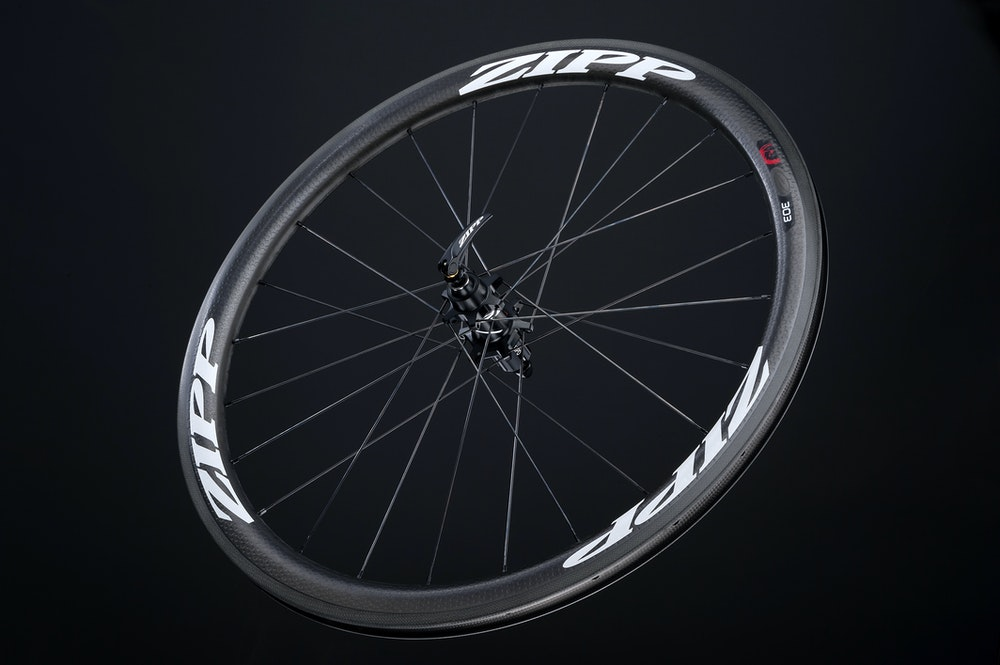 Zipp 303 Firecrest CCL  hero rear wht