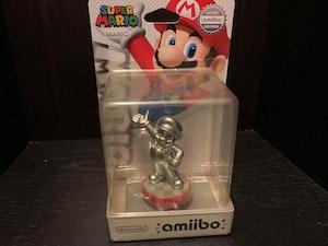 Amiibo - Silver Mario