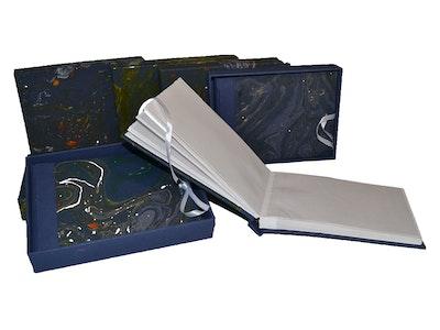 GETScrapping Luxury Handmade DIY Scrapbook Photo Album - Midnight Black/Navy