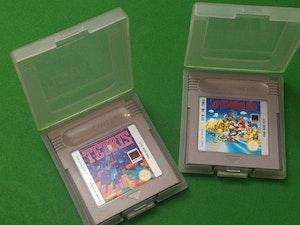Gameboy Cartridge x 2 (Tetris & Super Mario Land) in cases