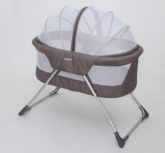 Cocoon Bassinet and Bassinet Height Extenders