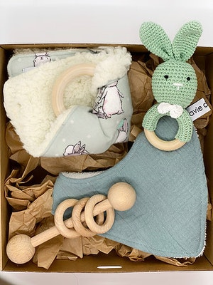 Avie Designs Green Rabbit! Newborn Baby Gift Box