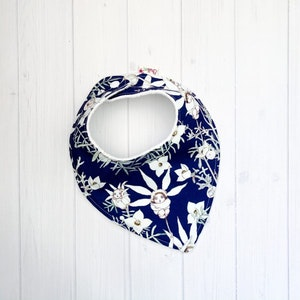 Grubbee May Gibbs Flannel Flowers (Navy) Bib
