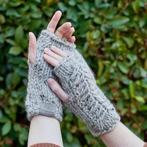 Pine Ridge • Fingerless Mittens • Chunky Knit • Colour: EARL GREY