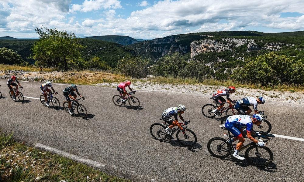 peleton-2021-stage-12-tour-de-france-jpg