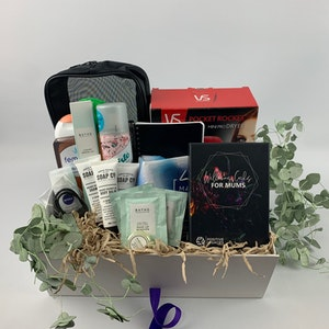 Positive Legacies Pregnancy Gift Box (Platinum)