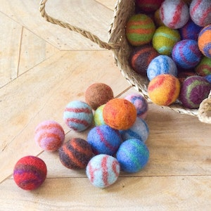 Queenie's Pawprints Natural Wool Hand-felted Small Ball Toys for Cats