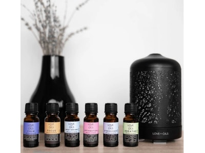 Love Thy Oils Pack of 6 Essential Oil Blends With Enchanted Forrest Diffuser