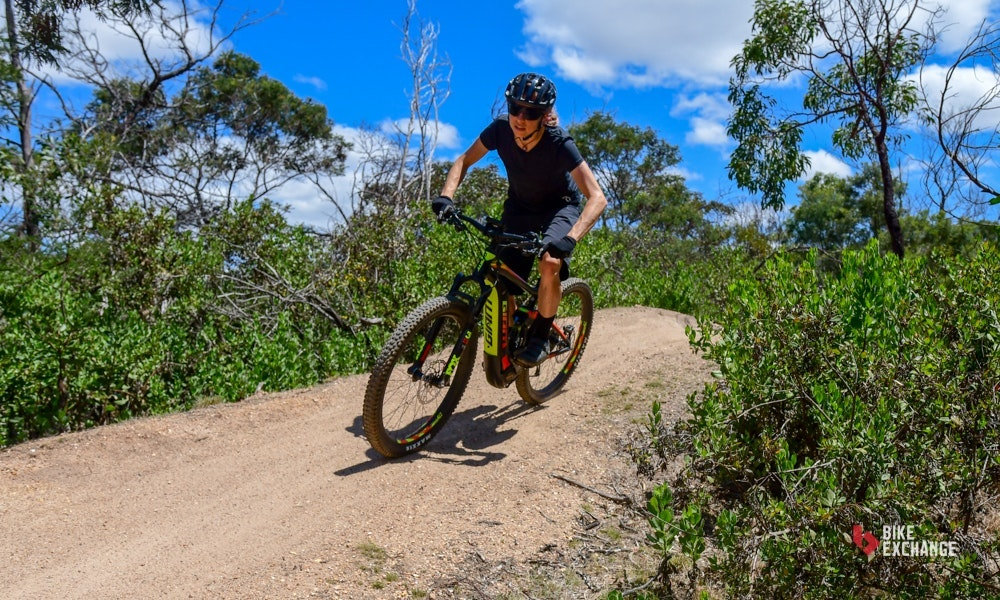 2018-giant-full-e-1-pro-electric-mountain-bike-7-jpg