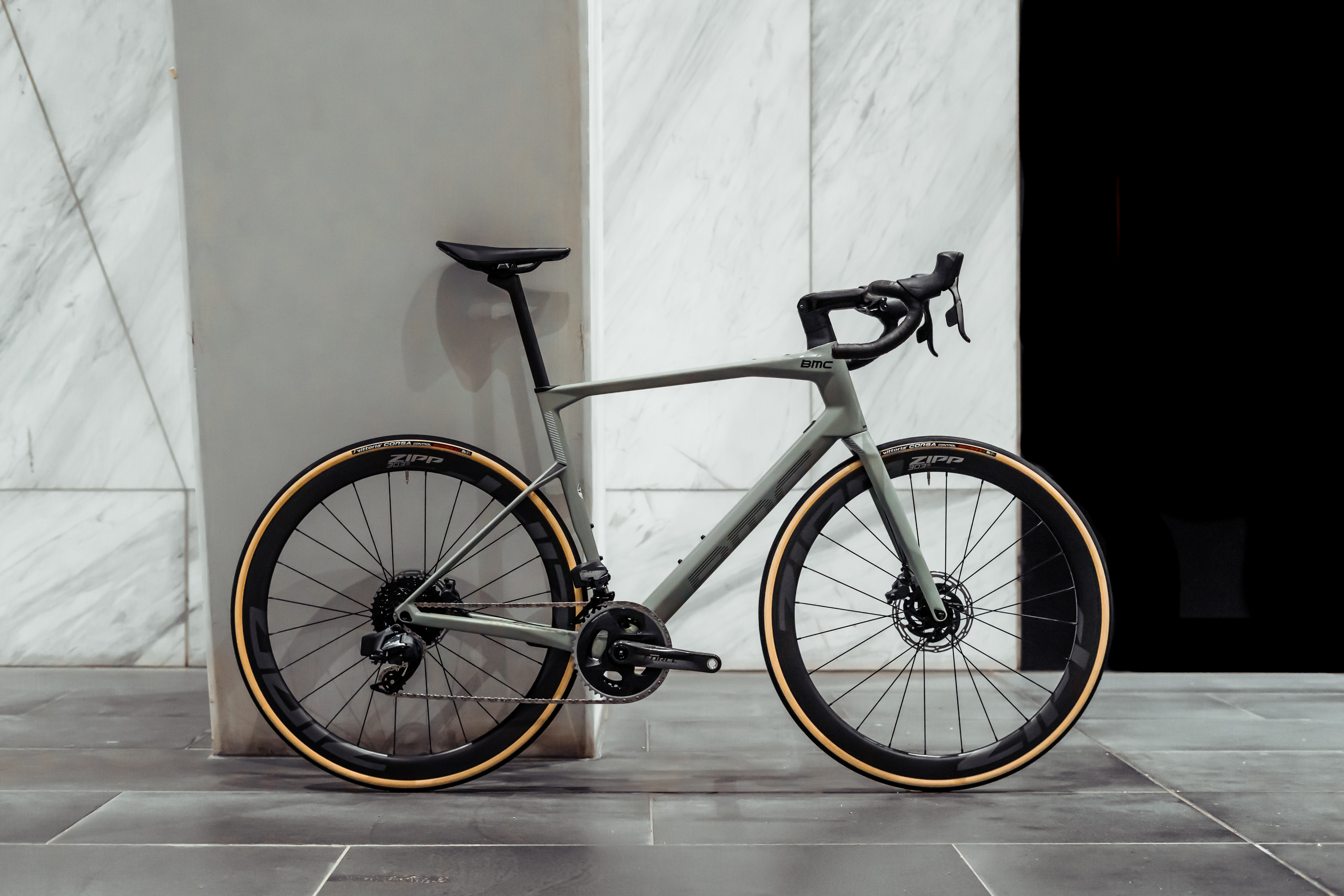 2021 BMC ROADMACHINE 01 THREE built by Bike Force Docklands