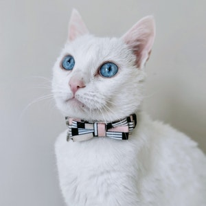 Queenie's Pawprints Small Bowtie For Cats or Small Dog Breeds   Navy & Pink
