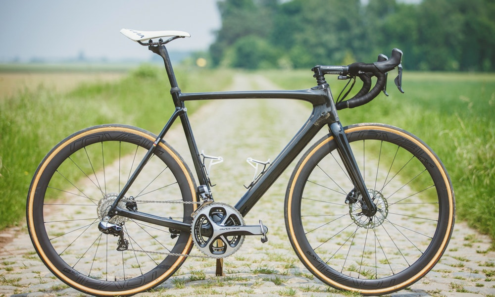 specialized roubaix ruby 2017 first look breakthrough media 11