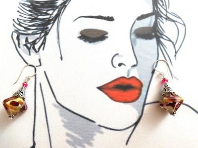 Beadoire Glass Lampwork Glass Earrings   'Cupcake' 2021