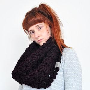 Cloud • Cowl • Crochet Chunky Knit • Colour: BLACKBERRY
