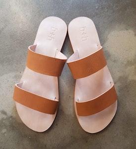 b + h Women's Flat Slides Sandals Tan