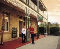 Richmond Arms Hotel Tourism Tas and Nick Osborne