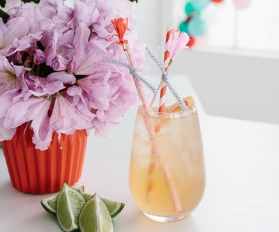 TGIF WITH SCHWEPPES: Ginger Grapefruit Fizz