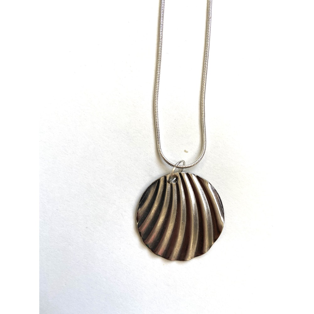 One of a Kind Club Silver Circle Wavy Necklace