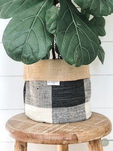 Pot Plant Cover - Thunder Check and Hessian Reversible