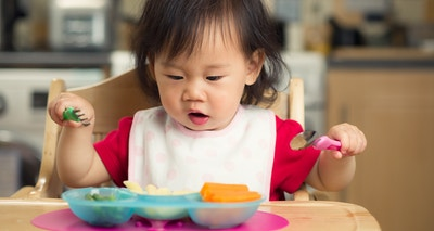 4 Dietitian Tips to Introduce Solids Safely