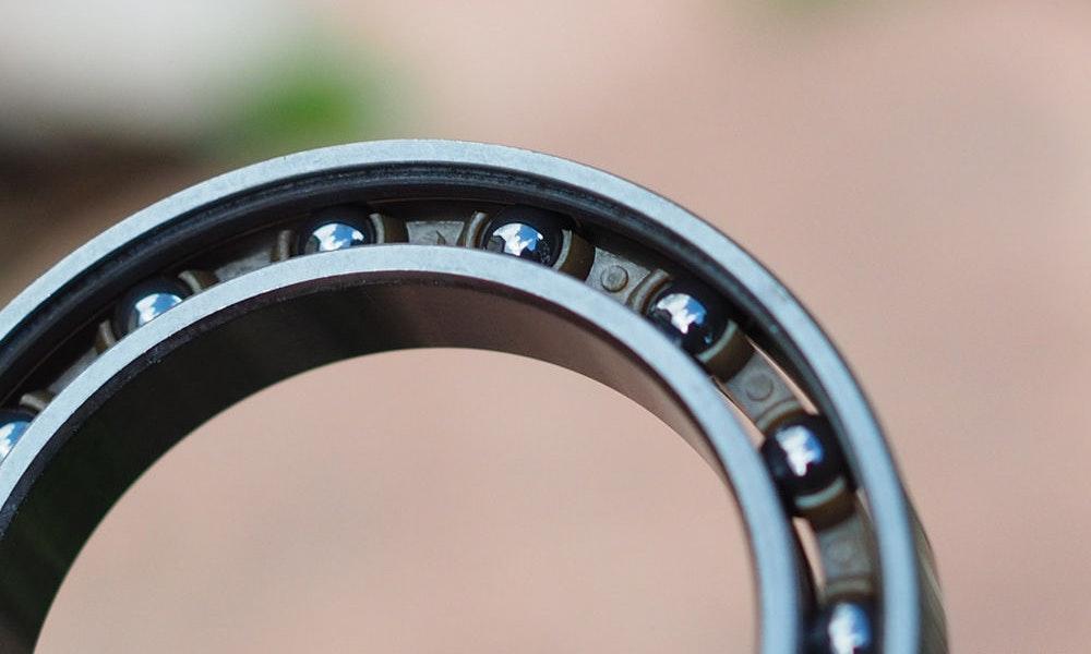 bearings_road_bike_wheels_bikeexchange_2016-jpg