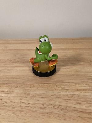 Yoshi Amiibo Smash Bros