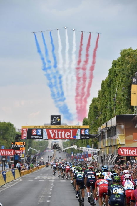 2 BST display Tour de France Tours