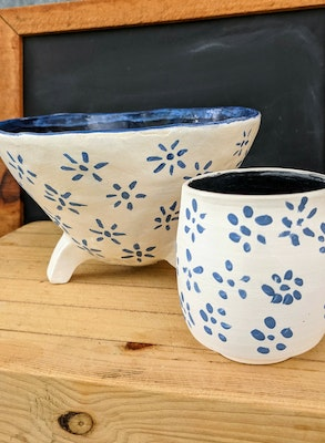 Scenic Rim Pottery Blue and white bowl with legs and tumbler set