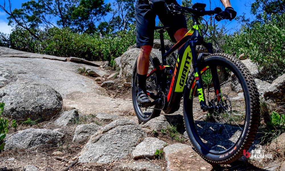 2018-giant-full-e-1-pro-electric-mountain-bike-8-jpg