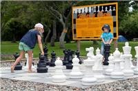 Your  move - Giant chess. - Mot Top 10