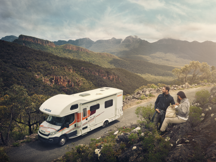 rv_outdoor_couple_final-dometicglobalwebtransparentpng24800800-png