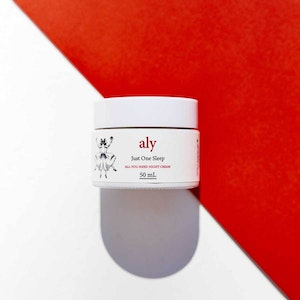LOVE ALY'S Just One Sleep Organic Over-Night Treatment With Dragon's Blood and Arnica