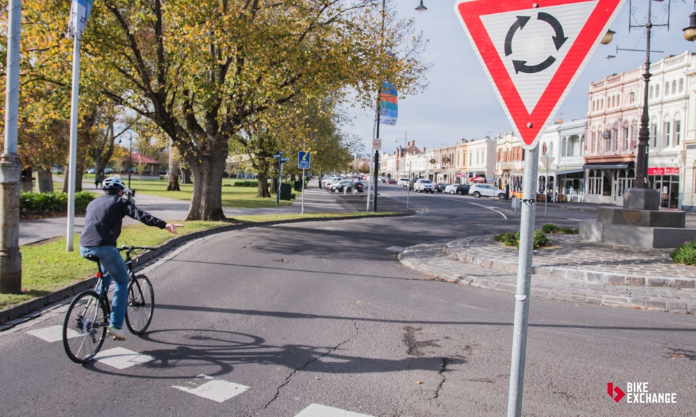 turning and indicating australian road cycling rules you should know article bikeexchange
