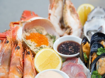 Chilled Seafood Platter Entree for 2