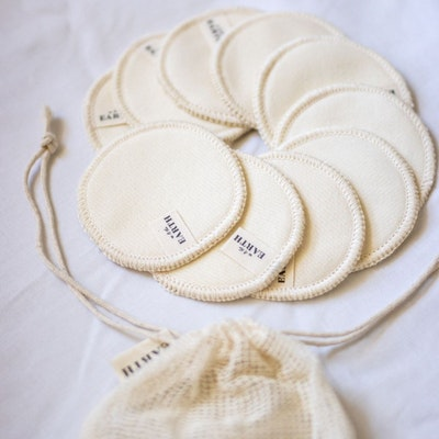 Us and The Earth Hemp Face Washing Set - Reusable / zero waste / Biodegradable (10 x 6cm rounds in a mesh bag)